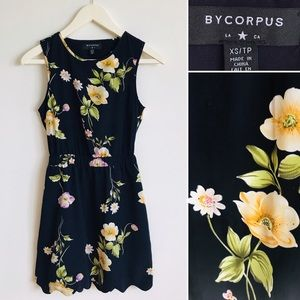Urban Outfitters Scalloped A Floral Keyhole Dress